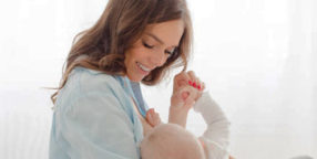 newborn breastfeeding schedule