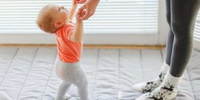 how to help baby walk independently
