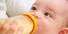 how to get baby to take bottle quickly