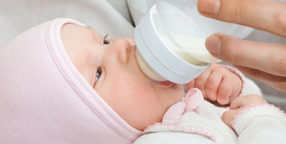 How Much Breastmilk Should A Newborn Eat