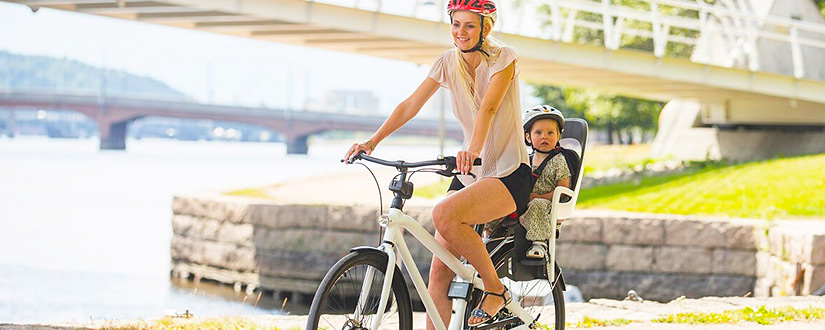 WHEN CAN A BABY RIDE IN A BIKE SEAT? A COMPREHENSIVE GUIDELINE