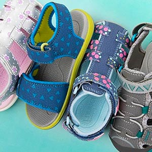 A Guide to Buying the Best Toddler Sandals in 2021